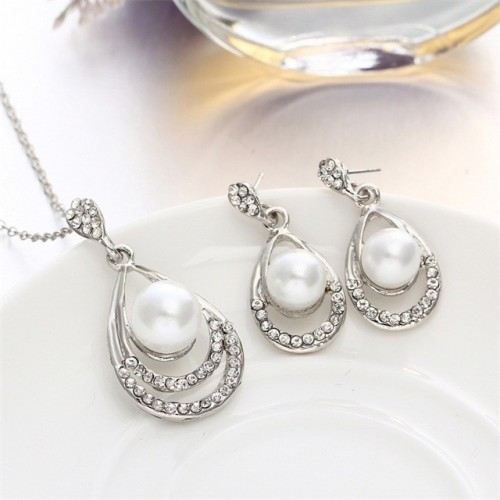 Cute Oval Necklace and Earring